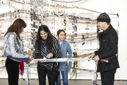 Artist Kira Dominguez Hultgren weaving with fairgoers, presented by Facebook | San Francisco 2020